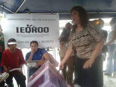 Gelmy Villanueva, candidata independiente a presidenta municipal de Benito Juárez acudió a votar #Elecciones2013