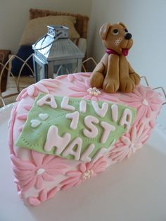 Half cake for a 6 months old baby! Half Birthday Cakes, 2nd Birthday, Birthday Parties, Birthday Ideas, Baby Cake Smash, 6 Month Old Baby, Winter Birthday, Fancy Cakes, Cupcake Cakes