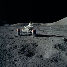 See Incredible Rare Images from NASA's Apollo Missions Eugene Cernan, Moon Buggy, Nasa Pictures, Apollo Space Program, Apollo Missions, Nasa History, Air And Space Museum, Nasa Astronauts, Thing 1
