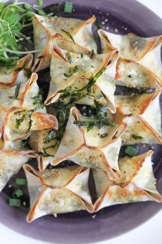 Looking for a great, last minute appetizer recipe? Try these fabulous Baked Veggie Wontons!! #appetizer #appetizerrecipe #recipe #newyearseve #appetizers