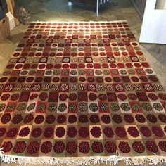 Full 6 X 9 rug for dining room