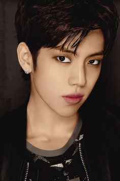#DONGWOO #INFINITE #인피니트 <<<he has perciced my soul with his eyes...Also his lips are so plump and soft looking. I'm weak.