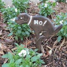 Neighborhood dog got you down? Large No Poop Here garden stake gets the message across, kindly lets neighborhood dog-walkers know to move on! No potty here sign stakes firmly into ground, cast iron la Mailbox Flowers, Esschert Design, Garden Stakes, Flower Beds, Yard Art, Bird Houses, The Great Outdoors, Bird Feeders