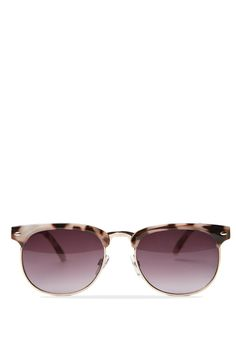 <p>CARLA MINI METAL SUNGLASSES</p>  <p>The Carla Mini Metal Shade balances the thick brow line with thin metal trims. Wear this retro pair with a printed maxi dress on vacation, teaming it with relaxed tailoring during the workweek.</p>  <p>Features: Category 3: Good UV protection</p>