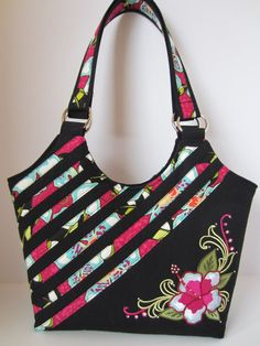 Embroidered Hibiscus Handbag with Swarovski Crystals Purse Tote Diaper Bag Purse Bag Pattern Free, Bag Patterns To Sew, Patchwork Bags, Quilted Bag, Handmade Handbags, Handmade Bags, Diaper Bag Purse, Tote Bag, Diy Purse