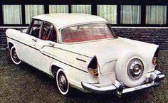 """O Simca foi um dos mais icônicos carros já lançados no Brasil e o nosso primeiro carro de luxo. Elefoi eleito como o carro mais bonito da época. Seu motor V8 batizado pela Simca de """"Aquilon"""", tinh…"""