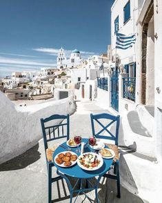Greece: Feel good breakfast in Santorini Mykonos, Places To Travel, Travel Destinations, Places To Go, Travel Tips, Dream Vacations, Vacation Trips, Vacation Travel, Zakynthos