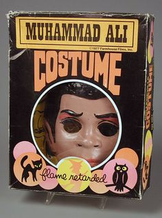 1977 Muhammad Ali Halloween costume. 1) That looks nothing like him and 2) The description at the bottom is hysterical.