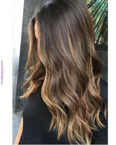 Hair Color Balayage Brunette Sun Kissed 56 Ideas For 2019 Balayage Hair Brunette Long, Cabelo Ombre Hair, Long Hair Highlights, Brown Hair Balayage, Brown Blonde Hair, Hair Color Balayage, Brunette Color, Subtle Highlights, Partial Balayage Brunettes