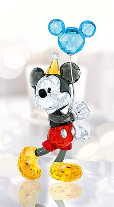 Swarovski Crystal, Disney Mickey Mouse Celebration perfect mickey for my watercolour Arte Do Mickey Mouse, Mickey Mouse And Friends, Disney Mickey Mouse, Disney Home, Disney Art, Walt Disney, Disney Frozen, Disney Figurines, Glass Figurines