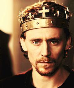 Henry V. Tom Hiddleston. @Deanne Sparks @Rebecca Renee @Kendra Kravig