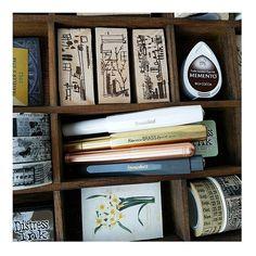 WEBSTA @ gerokreativ - Neues Spielzeug 😍 .Ich liebe Schreibgeräte 😍 .ALLE 😍 .#midori #midoritravelersnotebook #travelersnotebook #tn #stationery #journaling #kraftpaper #planner #planneraddict #dori #mailart #fauxdori #papercraft #inserts #plannercommunity #potd #instagram #postcrossing #travelersnote #plannerdeco #journal #snailmail #penpal #sponsored #sponsoredby @kaweco.germany