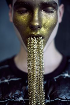 U+Mag Golden Sailor by Vale Saig #fashion #editorial #face #portrait #gold #beauty