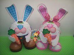 Hermosos fofuchos conejos de pascuas en goma eva de Arte en E.V.A by Theo, ideal para regalar en estas Pascuas. Moldes de Conejos de Pascuas en Goma Eva…