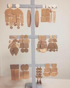 Ceramic Jewelry, Brass Jewelry, Polymer Clay Jewelry, Leather Jewelry, Jewelry Art, Jewelery, Jewelry Design, Diy Clay Earrings, Geometric Jewelry