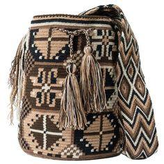 Handmade with love ❤️! Tapestry Bag, Tapestry Crochet, Crotchet Bags, Crochet Purses, Boho Gypsy, Tote Purse, Bucket Bag, Purses And Bags, Crochet Patterns