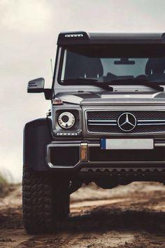 Mercedes Benz G Wagon 6 x 6