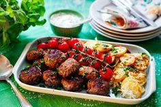 Ostronsås är en mycket god krydda till köttfärs, våga testa! Att koka vitlöksklyftorna till såsen ger en mild och fin smak.