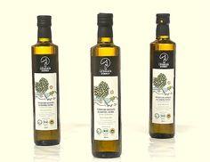 Natives #Olivenöl Extra , kaltgepresst, dunkle Glasflasche Herkunft: Plomari / Insel Lesbos Olivensorte: Valanolia Geschmack: milde fruchtige Würze Säuregehalt: 0,3%  Kaufen bei http://www.gutesvonkreta.de
