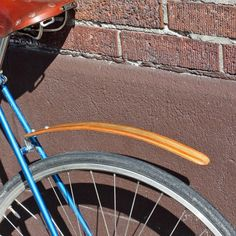 As crazy as it might sound, wood bicycle fenders are not a new trendy thing. Wooden bike fenders have been around since the late Cent. Bike Panniers, Wood Bike, Bike Details, Retro Bike, Urban Bike, Bike Rider, Bike Style, Bike Parts, Bicycle Design