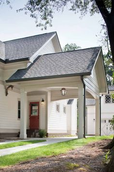 Port-a-cochere with dutche door side entry. Vintage bracket detail and diamond pattern window mullions. New Homes, Building A House, House Plans, Porte Cochere, Carport Addition, Carport Designs, Houses On Slopes, Carport Garage, House Exterior