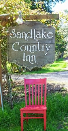 Red at Sandlake Country Inn  #redchairtravels #oregonbedandbreakfastguild #traveloregon #tillamookcoast