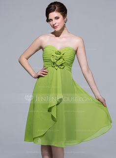 A-Line/Princess Sweetheart Knee-Length Chiffon Bridesmaid Dress With Flower(s) Cascading Ruffles (007037234)