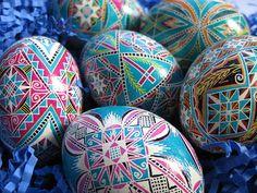 beautiful non-traditional pysanka colors