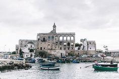 San_Vito_Puglia-Italia_Road_Trip-Swimwear-Triumph-Black_and_White_Swimsuit-Beach_Look-35