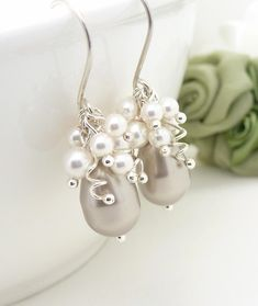 Mother of the bride earrings with Pearshape Platinum and round white Swarovski Pearls