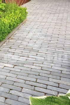 impermo, goedkope tegels, bestrating, tuinpad, klinker, oprit, waaltjes, betonklinker, natuursteen, landelijke tuin, tuin aanleggen, impermo