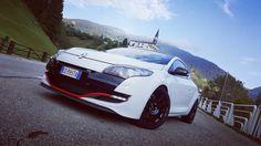 Ruote Speedline Corse Italia modello 2120 Turini misure 8x18 et 50 mozzo 5x114,3 Megane RS/Cup finitura nero lucido,produzione ITALIANA di alta qualità marchiata originale no repliche. #speedlinecorse #speedlinewheels #racinwheels #alloywheels #jantes #felgen #history #vintage #rallystorici #renault #madeinitaly #glossyblack #meganers #cliors #meganecup #trackday #rally #racing #treviso #enginesport #followus #share #followers #timeattack