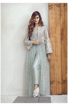 Dress Indian Style, Indian Fashion Dresses, Abaya Fashion, Muslim Fashion, Indian Outfits, Indian Wear, Dress Fashion, Diy Fashion, Fashion Trends
