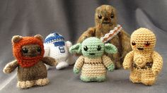 Crocheted (knitted? I can't tell) Star Wars toys. I gotta find the patterns for these.