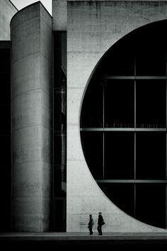 tiefgang:  Half (at Berlin) Via96dpi on Flickr  just a refference