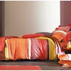 Collection Sortilèges de Blanc des Vosges : envoûtante et spectaculaire, cette somptueuse parure de lit aux couleurs épicées et aux motifs richement travaillés, est réalisée en satin de coton. On craque pour son élégance, pour l'intensité vibrante de ses couleurs, et pour la féerie qu'elle apportera à votre chambre … pour 1001 nuits … et plus ! >  http://www.camif.fr/catalogsearch/result/?fh_location=sortilege&state=