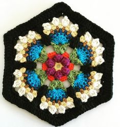 Crochet between worlds: Frida's Flowers CAL - Block 3 - Bird of Paradise: FREE pattern Mandala Au Crochet, Crochet Motifs, Crochet Stitches, Love Crochet, Crochet Flowers, Knit Crochet, Crochet Granny, Crochet Squares Afghan, Crochet Blocks