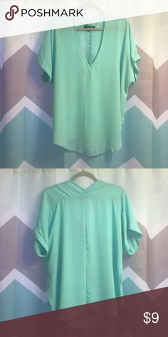LDLA Casual/Dressy Blouse Casual / Dressy Blouse Size Large, Never Warn Tops Blouses