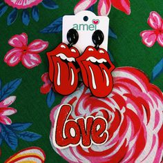 Tudo para deixar a vida mais divertida ❤ #lojaamei #acessorio #brincos #boca #vermelho #love #patch