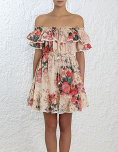 Explore the latest collection of designer resort wear dresses & cover ups with ZIMMERMANN. Find the one that suits your style by shopping online or instore. Resort Wear Dresses, 2016 Wedding Dresses, Short Dresses, Summer Dresses, Feminine Style, Feminine Fashion, Floral Fashion, Pretty Dresses, Shopping
