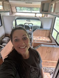 Cool 35 Casual Rv Makeover Ideas You Must Have. : Cool 35 Casual Rv Makeover Ideas You Must Have. Class C Campers, Class C Rv, Camper Life, Rv Life, Motorhome Interior, Toyota Motorhome, Campervan Interior, Rv Trailers, Travel Trailers
