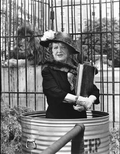"""""""Bewitched"""" (1964-72)  Marion Lorne as Aunt Clara"""
