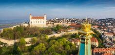 Kedykoľvek Bratislavu navštívite, nudiť sa tu určite nebudete. Ak však premýšľate nad tým, ktoré obdobie je najlepšie práve pre vašu návštevu, určite vám pomôže súhrn tých najlepších podujatí, ktoré sa vBratislave každoročne udejú. Prinášame vám zoznam top 10 podujatí, ktoré sa vBratislave uskutočnia vroku 2018 avy môžete byť ich súčasťou. 1.Bratislavské mestské dní 20. – …