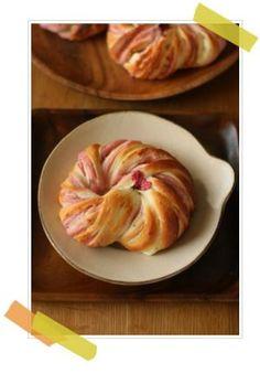 「桜あんとクリームチーズのセミハードパン」vivian   お菓子・パンのレシピや作り方【corecle*コレクル】