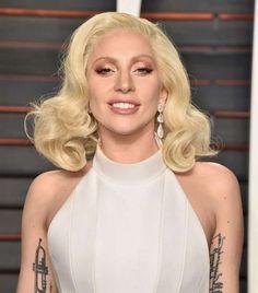Lady Gaga Canlı Yayında Meditasyon Yaptı