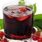 Skinny Chia Berry Smoothie Recipe: 150 Calories & Vegan - Mom Foodie - Blommi