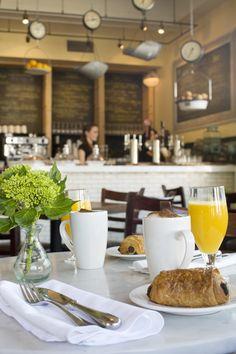 A light breakfast at EDK
