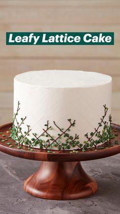 Cake Decorating Frosting, Cake Decorating Designs, Birthday Cake Decorating, Cake Decorating Techniques, Cake Designs, Pretty Cakes, Beautiful Cakes, Amazing Cakes, Wilton Cakes
