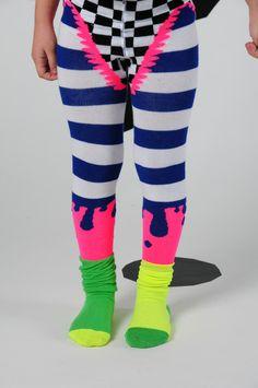 WINTER 2012/2013 COLLO ZAZOO Allover tights, elastized waist knickers and pleated socks in « trompe l'œil » style.