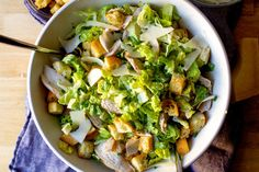 chicken caesar salad Chicken Ceasar Salad, Caesar Salad, Chicken Salads, Salad Recipes, Healthy Recipes, Healthy Eats, Healthy Dinners, Healthy Cooking, Juicy Pork Chops